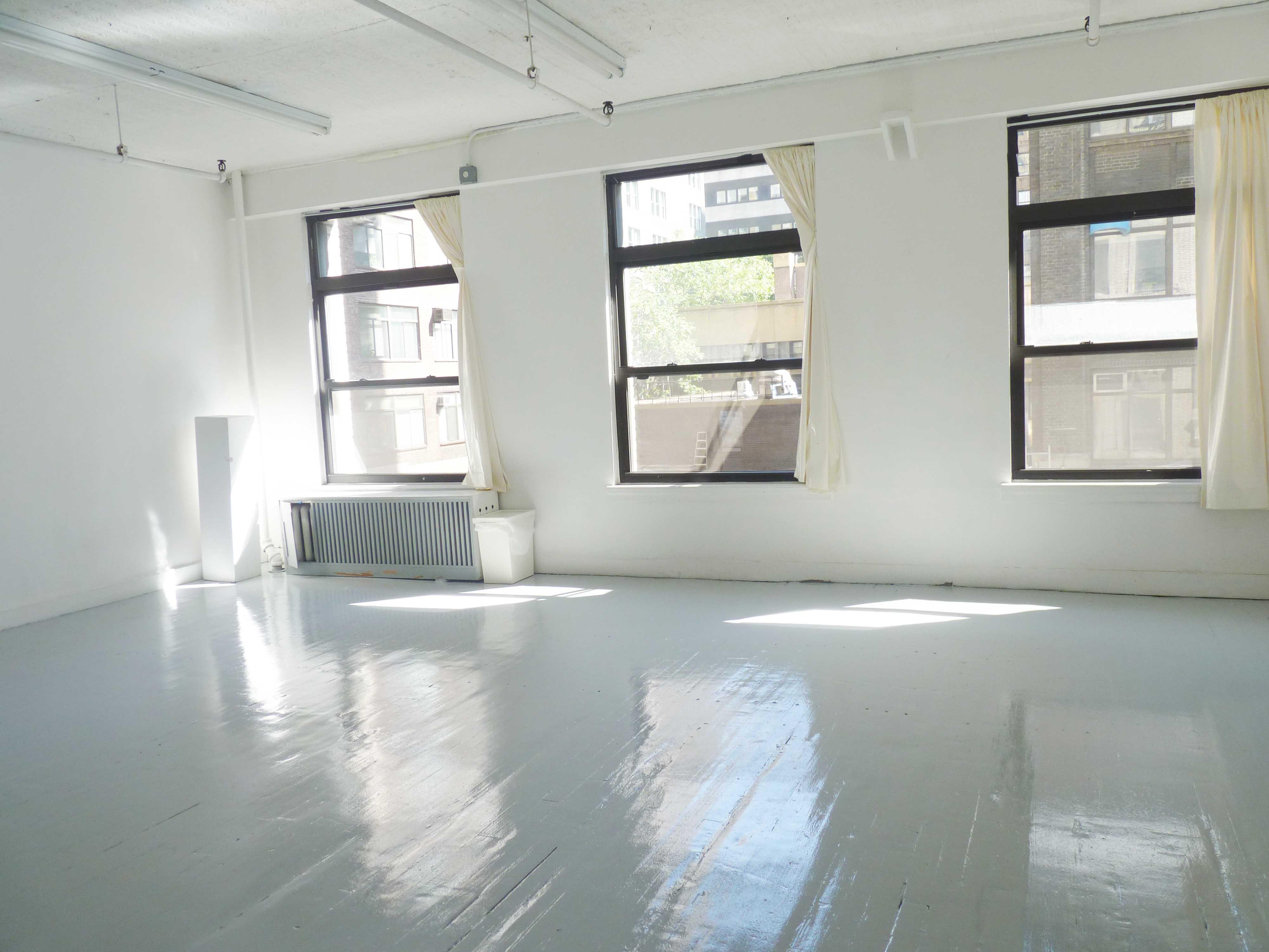 Gallery grey 003l