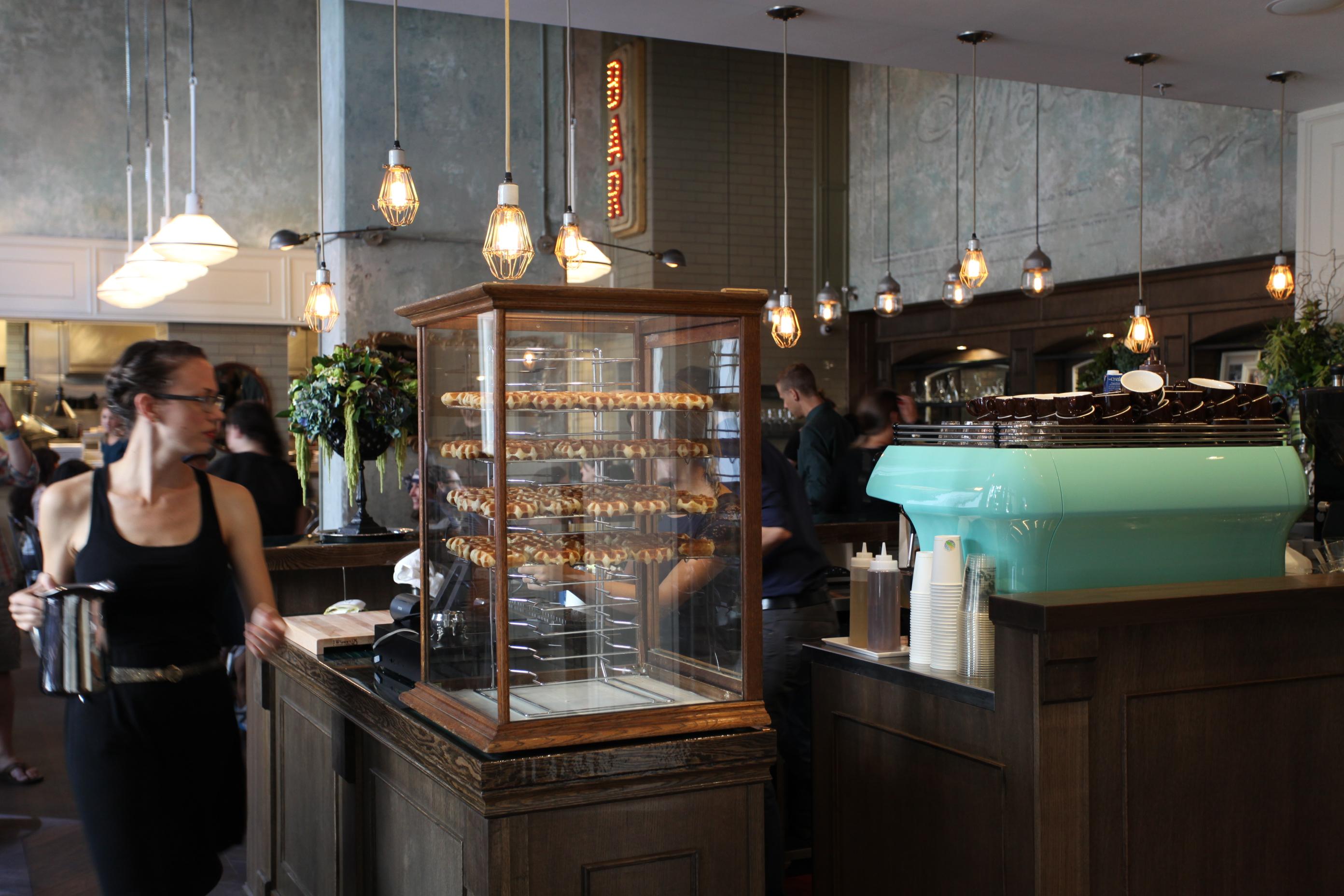 Cafemedina interior1 creditscoutmagazine