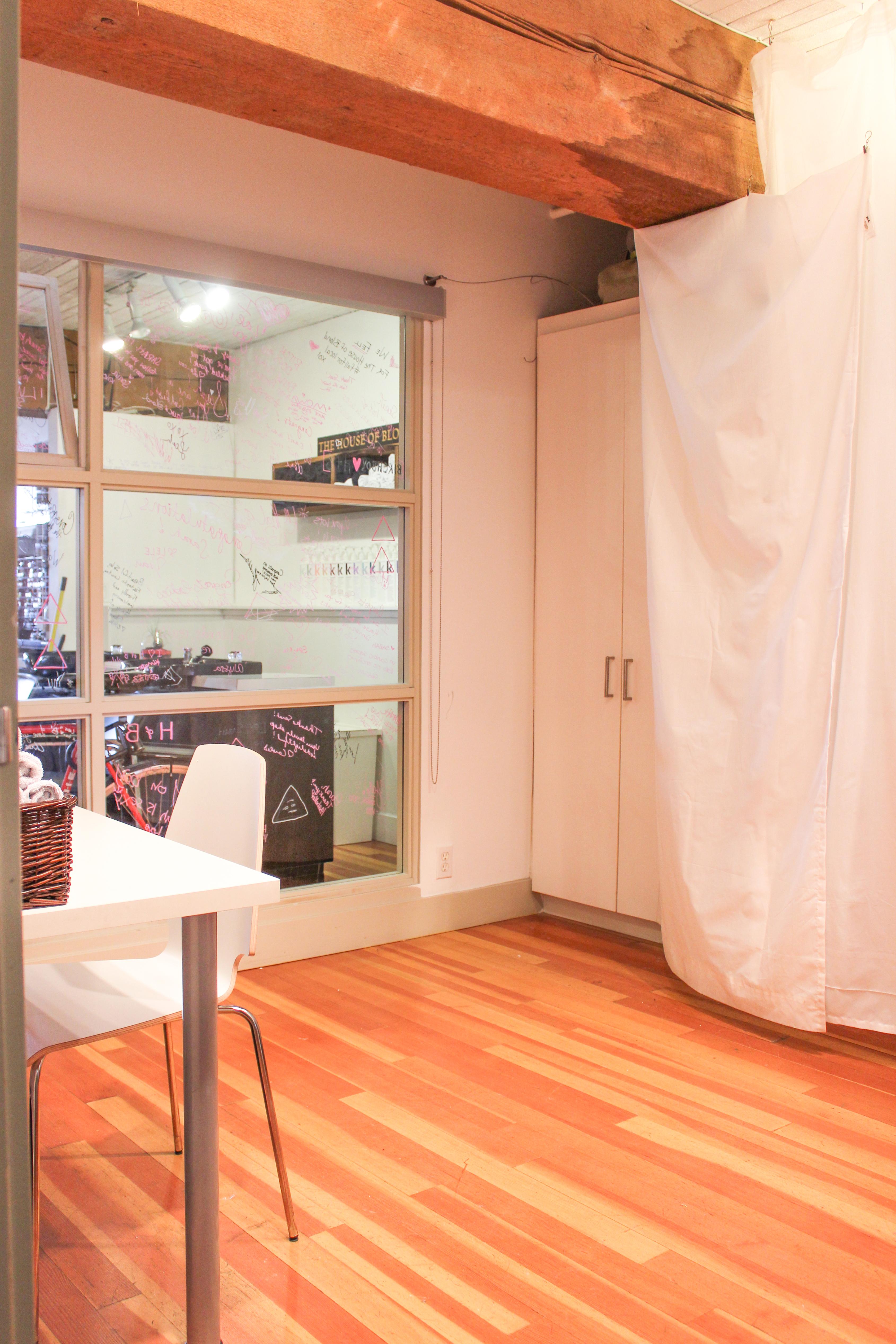 Esthetic studio 6769