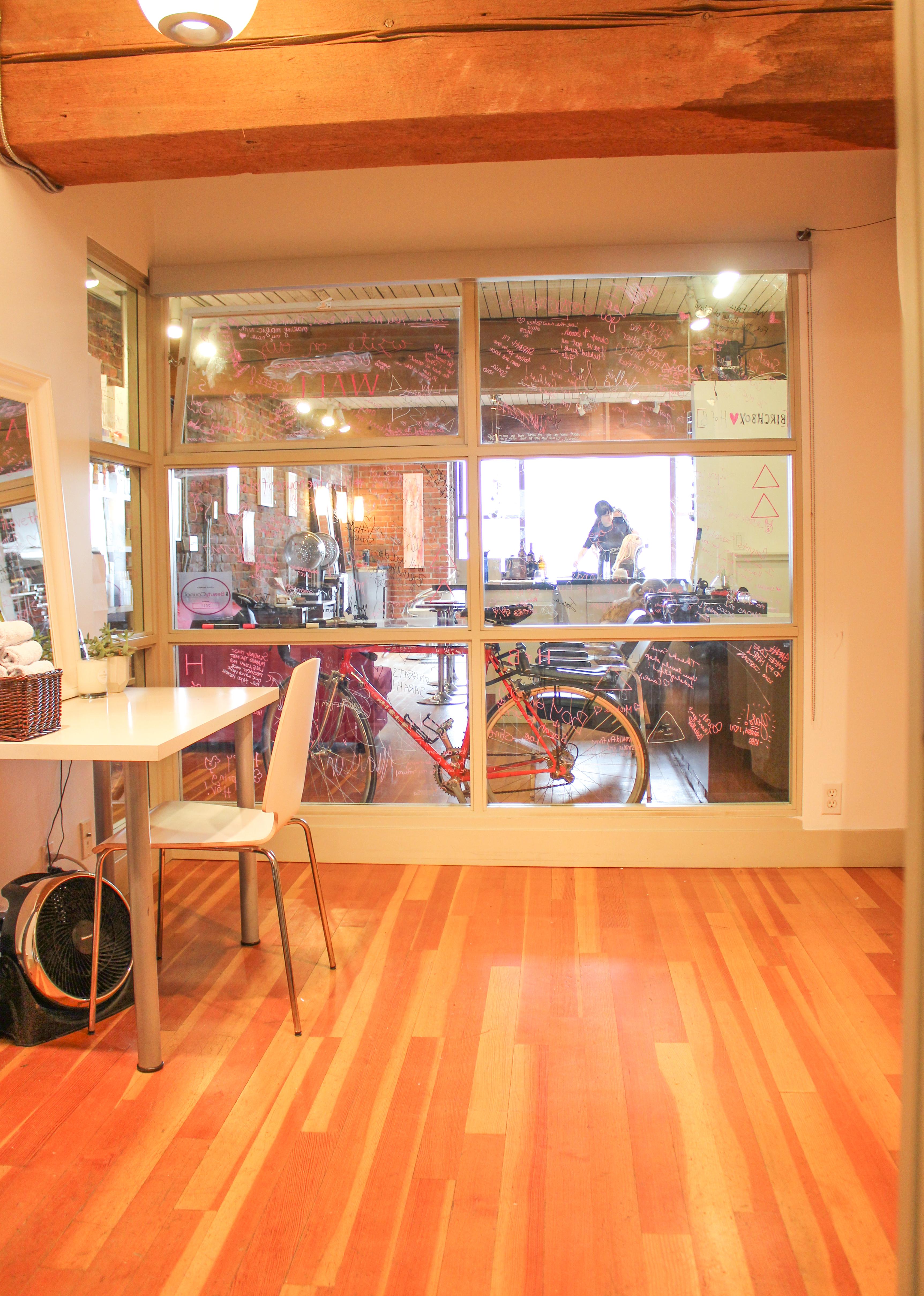 Esthetic studio 6773
