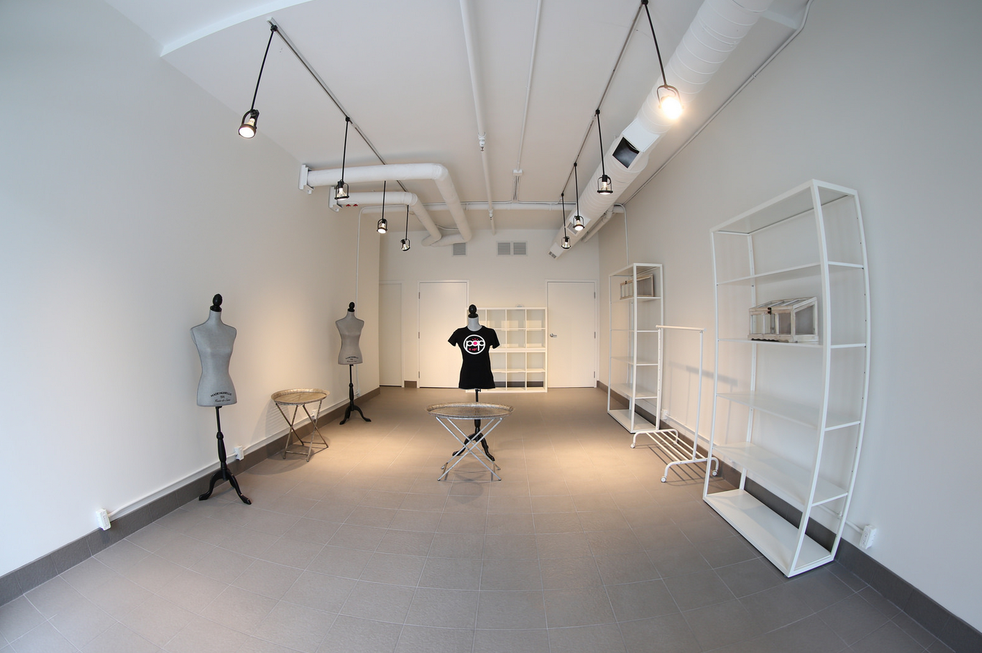 Empty store with tshirt