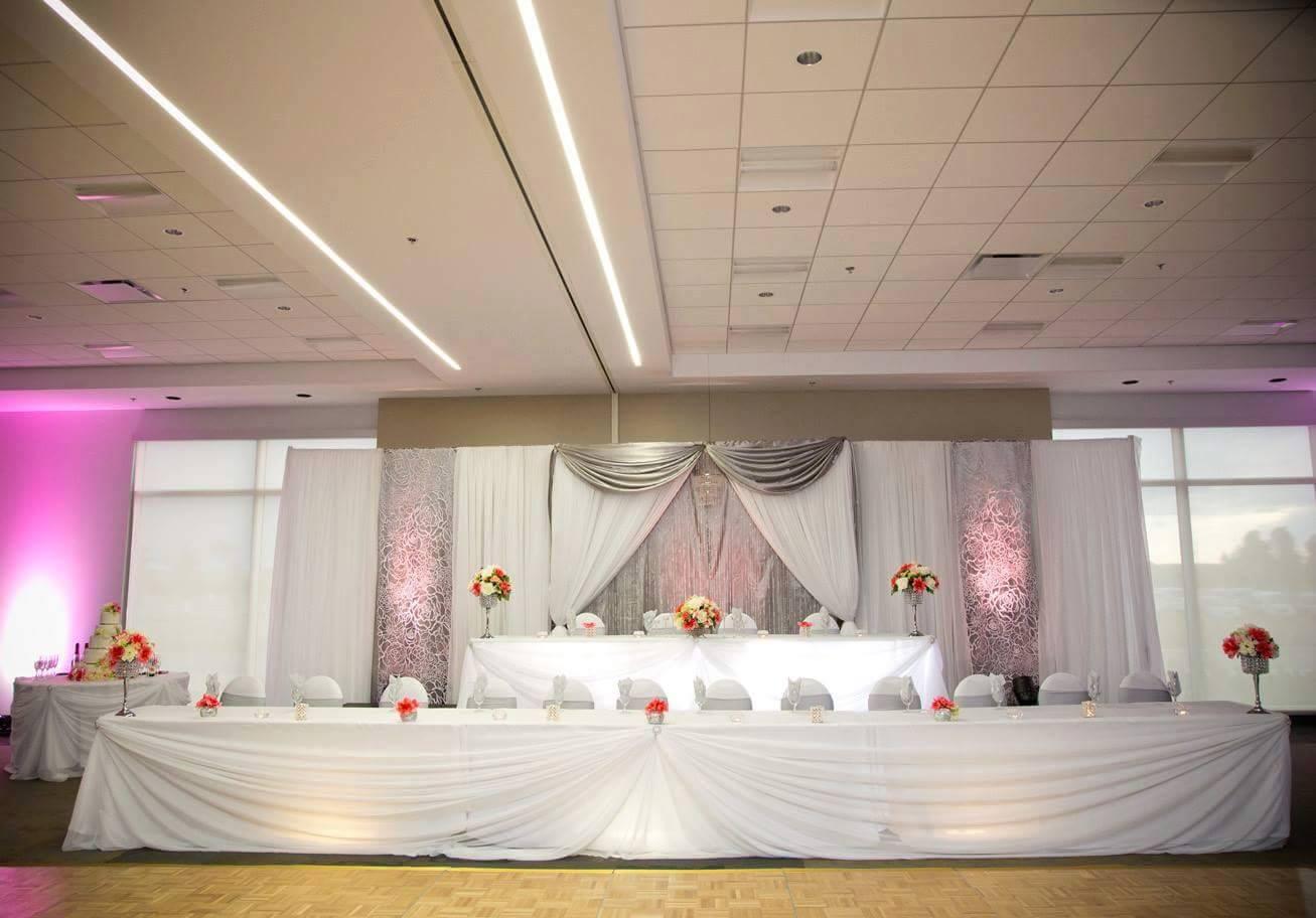 Head tables mekedes wedding